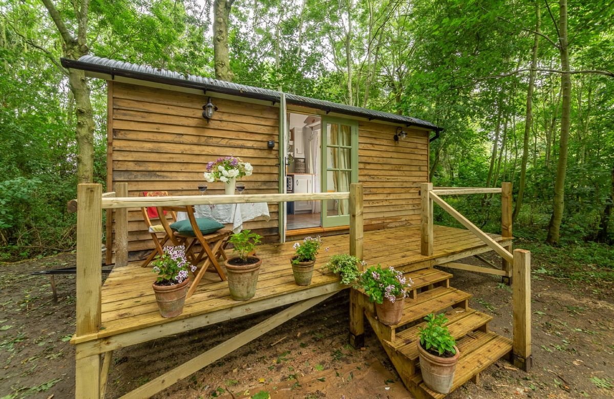 Click here for more about Woodland Retreat Shepherd's Hut