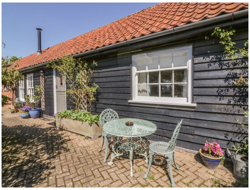 Details about a cottage Holiday at Courtyard Cottage- Poplar Farm Barn